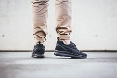 With the new Puma Disc Sleeve Ignite Foam, the German sportswear brand finally brings its DISC technology to the future. Rather than simply using it on the OG model, it is now for once applied to an innovative new trainer, which combines the Ignite Foam light weight outer sole with a seamless slip-on upper and …