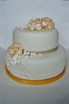 Golden Anniversary Cake - tiersofhappiness.net