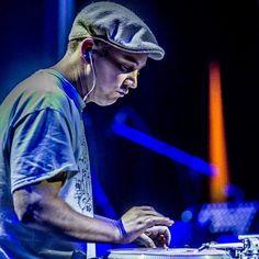 Live from the @idaworldofficial World Finals :) #live #scratch #musician #music @music #scratching #scratchmusician #turntable #turntablist #turntablism #dj #realdjing #djing #djcitydj #hiphopculture #controllerone #vestax #rane #ortofon #grafdabusup #chesterp #kangol #northerner #flatcap #krakow #poland by djwoodymusic http://ift.tt/1HNGVsC