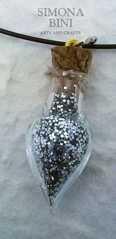 Ciondolo in vetro con brillantini argento