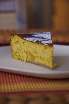 Dýně si s tvarohem a ořechy dobře rozumí, skoro více než bych čekala. Tento dort je lehký, není tak sladký a určitě nadchne všechny příznivce zdravého jídla tím, že je zde minimum cukru. Pavlova, Cheesecake, Clean Eating, Paleo, Desserts, Food, Fitness, Tailgate Desserts, Eat Healthy