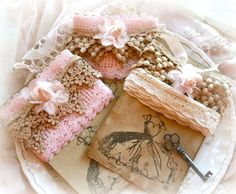 little picture holders or lace cards