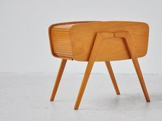 Mid-Century Furniture Inspirations to try now |www.essentialhome.eu/blog | #midcentury #architecture #interiordesign #homedecor #scandinavian