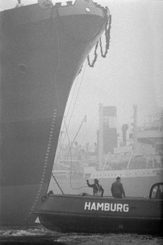 Schlieker shipyard, Hamburg, picture from the Black & White group by Erich Lessing, artist at LUMAS ✓ - New Site Frankfurt, Munich, Hagia Sophia, Outdoor Portrait, Polaroid Photos, Tug Boats, Black And White Portraits, Magnum Photos, Large Art