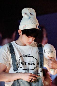 ยูสนี้เพื่อยูคยอมมี่ on Twitter: 140830 JYP NATION HK #Jinyoung Cr:HEYHEY最近忙成狗