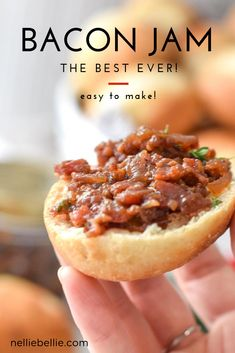 An easy and delicious bacon recipe, homemade bacon jam makes a delicious appetizer. Great on burgers, crackers, and cheese! Jelly Recipes, Bacon Recipes, Jam Recipes, Cooking Recipes, Bacon Onion Jam, Quick Cinnamon Rolls, Best Bacon, Quick Vegetarian Meals, How To Make Jam