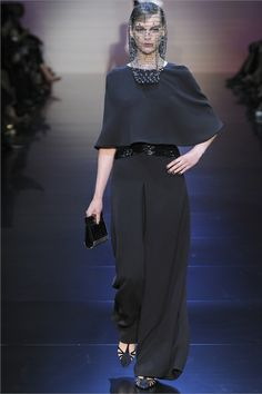 Sfilata Giorgio Armani Privé Paris - Alta Moda Autunno-Inverno 2012-13 - Vogue