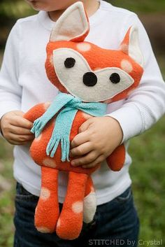 Adorable Free Sewing Patterns for Stuffies, Plushies, Stuffed Animals and Other Felt and Fabric Toys- Stuffed Fox Sewing Pattern from Stitched By Crystal Sewing Toys, Baby Sewing, Sewing Crafts, Sewing Projects, Diy Projects, Sewing Stuffed Animals, Stuffed Animal Patterns, Stuffed Animal Diy, Handmade Stuffed Animals
