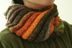 Autumn Rainbow Moebius by Monica Fisher based on Rainbow Moebius by Manuèle Ducret: Ravelry $5.50