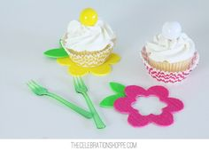 Simple Flower Cupcakes Dressed Up To Party