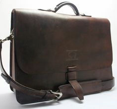#leather #messengerbag this style comes in more colors