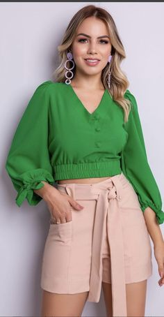 Fashion Pants, Chic Outfits, Blouse Designs, Short Dresses, Mini Skirts, Clothes For Women, Womens Fashion, How To Wear, Tops