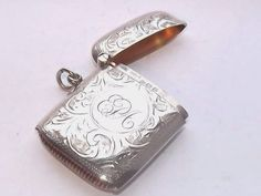 LOVELY ANTIQUE HM SOLID SILVER STERLING SILVER VESTA CASE BIRMINGHAM 1913 #RolasonBrothers