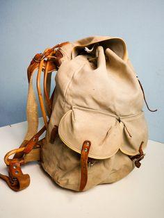 Vintage '60s backpack.