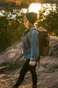 Hipster hiking look for Summer. Beanie outfit for Women.
