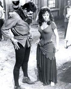 ND de Paris - Anthony Queen et Gina Lollobrigida The Hunchback of Notre Dame 1956 movie