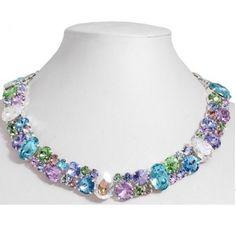 http://www.bijuteriifrumoase.ro/cumpara/maren-necklace-cu-cristale-swarovski-colorate-1845