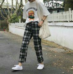 - Street Style Outfits - - 10 Astonishing Unique Ideas: Urban Fashion Spring Style urban fashion quotes spa … Source by StreetStyleOutfits Look Fashion, 90s Fashion, Trendy Fashion, Fashion Outfits, Fashion Design, Fashion Spring, Fashion Shorts, Dress Fashion, Fashion Ideas