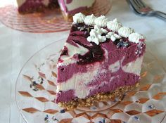 Fragrant Vanilla Cake: Raw Blackberry Lemon Lavender Cheesecake  (vegan, lactose-free, and good for you :o)