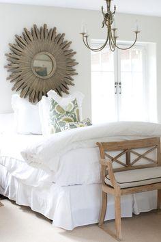 Bedroom Grays lane. Bench. Mirror. No headboard :)