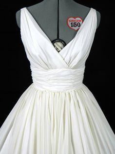 White vintage style dress LOVE THIS!