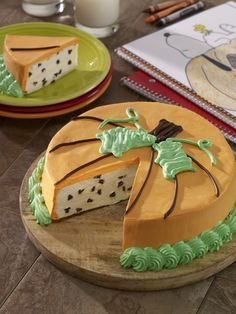 It's the Great Pumpkin Charlie Brown cake: Perfect for Halloween or any Peanuts themed party Charlie Brown Halloween, Great Pumpkin Charlie Brown, It's The Great Pumpkin, Pumpkin Recipes, Fall Recipes, Holiday Recipes, 7th Birthday Party Ideas, Pumpkin Carving Party, Colorful Party