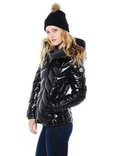 Moncler Women's Badete Down Jacket Tokyo Fashion, New York Fashion, Teen Fashion, Korean Fashion, Fashion Tips, Fashion Trends, Runway Fashion, Fashion Ideas, Winter Fashion
