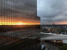 Zonsondergang in Rotterdam. foto van Stijn Hustinx.