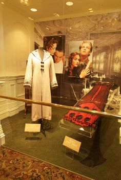 The Costumer& Guide to Movie Costumes Titanic Kate Winslet, Kate Winslet And Leonardo, Titanic Costume, Titanic Dress, Titanic Museum, Rms Titanic, Titanic Behind The Scenes, Titanic Movie Facts, Titanic Photos