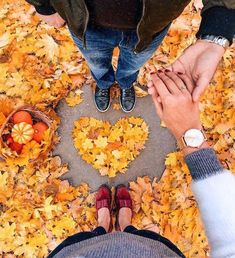 9 Photos Of The beauty of Autumn Couple Photoshoot Poses, Couple Photography Poses, Autumn Photography, Girl Photography, Creative Photography, Engagement Photography, Fall Couple Photos, Photo Couple, Fall Pictures