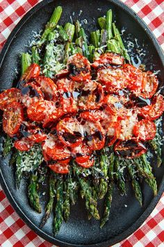 Balsamic Parmesan Roasted Asparagus and Tomatoes Roasted asparagus and tomatoes covered in melted parmesan and drizzled with a balsamic reduction. - Balsamic Parmesan Roasted Asparagus and Tomatoes by Closet Cooking Side Dish Recipes, Vegetable Recipes, Vegetarian Recipes, Cooking Recipes, Healthy Recipes, Broccoli Recipes, Dinner Recipes, Cooking Hacks, Cooking Videos
