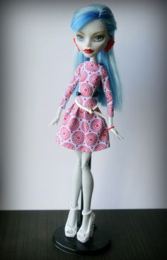 Monster High Ghoulia Yelps OOAK(repaint by Olga Tkachenko)