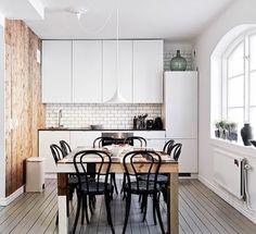 Zdjęcie: Czarne krzesła w kuchni