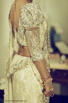 sri lankan bridal saree