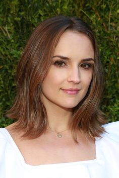 Rachael Leigh Cook pictures and photos Rachel Leigh Cook, Cook Pictures, The Baby Sitters Club, Ideal Beauty, Hollywood Celebrities, Girl Crushes, Cut And Color, True Beauty, Makeup Inspiration