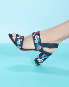 "Manolo Blahnik ""Khan"" Embroidered Block-Heel Sandals"