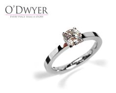 Finesse Collection - 18ct white gold ring with diamond. Förlovningsring Vigselring