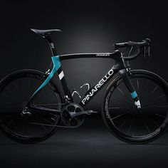 A fresh new look for a winning combination. The 2016 Team Sky Pinarello DOGMA F8