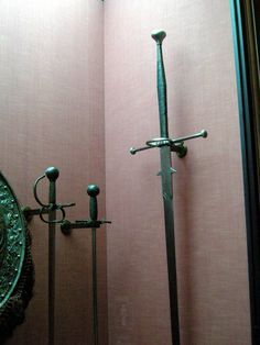 Ethnographic Arms & Armour - Iberian longsword evidence?