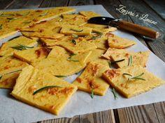la farinata è un piatto tipico della cucina ligure, un piatto povero. Si tratta di una sottilissima focaccia a base di farina di ceci.