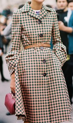 Checkered trench with amazing sleeves