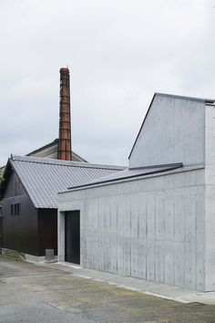 Transformation of Japanese brewery complex by a-um