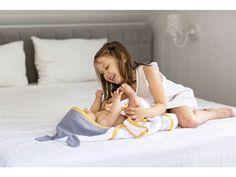 Bambusovy rucnik s usima velky pro deti (6) Beautiful Children, Toddler Bed, Hoodie, Furniture, Home Decor, Child Bed, Decoration Home, Room Decor, Beautiful Kids