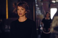 Lauren Holly was originally auditioning to play the part of Kate, but the show's producers had another idea in mind. Lauren Holly, Ncis Season 4, Season 1, Ncis Jenny, Most Watched Tv Shows, Emily Wickersham Ncis, Ncis Stars, Leroy Jethro Gibbs, People