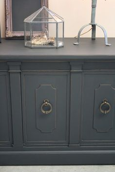 chalk paint by annie sloan clear wax then dark wax mixed with unscented mineral spirits to make a dark wax glaze this really deepened the color and black painted furniture ideas