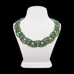 Yeşil Hünkar adlı kristal boncuk kolye ile fark edileceksiniz.