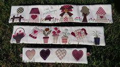 Desde que las vi en el blog de Cose y calla me enamoré de estas cestas , y aquí os presentó mi propia versión de las cestas de Ricitos de Or... Lampshade Designs, Japanese Patchwork, Country Quilts, Patch Aplique, Penny Rugs, Quilted Wall Hangings, Wool Applique, Dress Sewing Patterns, Pin Cushions