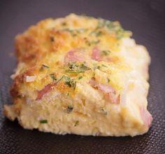 """750g vous propose la recette """"Maxi-quiche pain de mie"""" accompagnée de sa version vidéo pour cuisiner en compagnie de Chef Damien et Chef Christophe."""