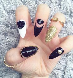 Black Glitter Chain ✨ Hand painted false nails from just £4.99! See link in bio ✨ Based in UK - Worldwide shipping  #nails #nailart #nailsofinstagram #notd #nailsoftheday #nailstagram #thenailgoals #nailvideos #hudabeauty #kyliejenner #kyliecosmetics #stilettonails #nailsonfleek #nailswag #marblenails #falsenails #acrylicnails #swarovski #nailporn #crystalnails #nailitdaily #etsy #etsyshop #nailsmagazine #nailstyle #chromenails #zoella #holographicnails #beautyblogger #nailpoli...