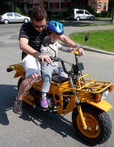 ZoomerBoys :: Motra Japan Tourism, Bike Pic, Honda Cub, Japanese Motorcycle, Mini Bike, Cubs, Motorcycles, Vehicles, Design
